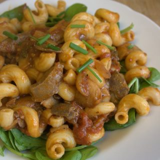 Pasta with Chicken Liver, Tomato & Mushrooms