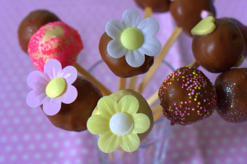 cake pops how to. Spring Floral Cake Pops (makes
