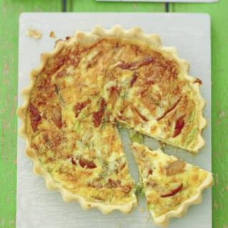 "Recipe: Smoked Mackerel, Saffron and Davidstow ""Crackler"" Quiche"