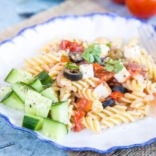 Greek Salad Pasta (Tomato, Feta and Olive)