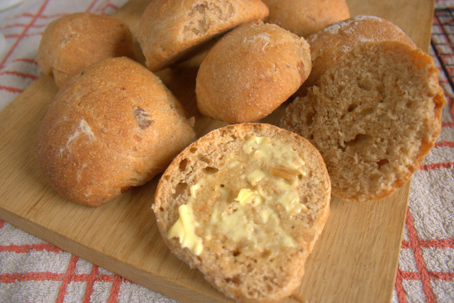 Tomato Chutney Bread Rolls buttered