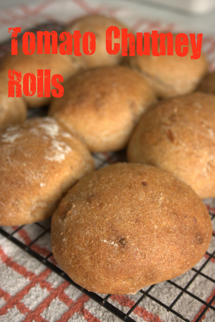 Tomato chutney rolls