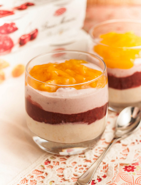 Quark and fruit compot layered puddings-4
