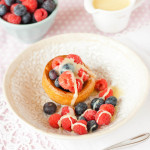 Yorkshire Pudding with berries and white chocolate sauce-001