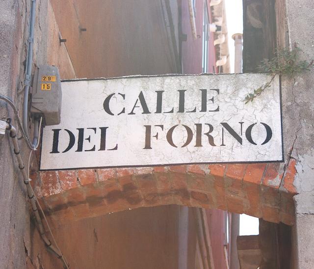 Calle del forno Castello Quarter of Venice-20