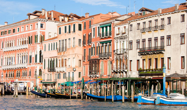 Pinks, terracottas and blues of Venice - Palaces on the Grand Canal