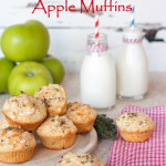 Delicious muffins with goats cheese and apple - perfect for an easy vegetarian weekend breakfast!