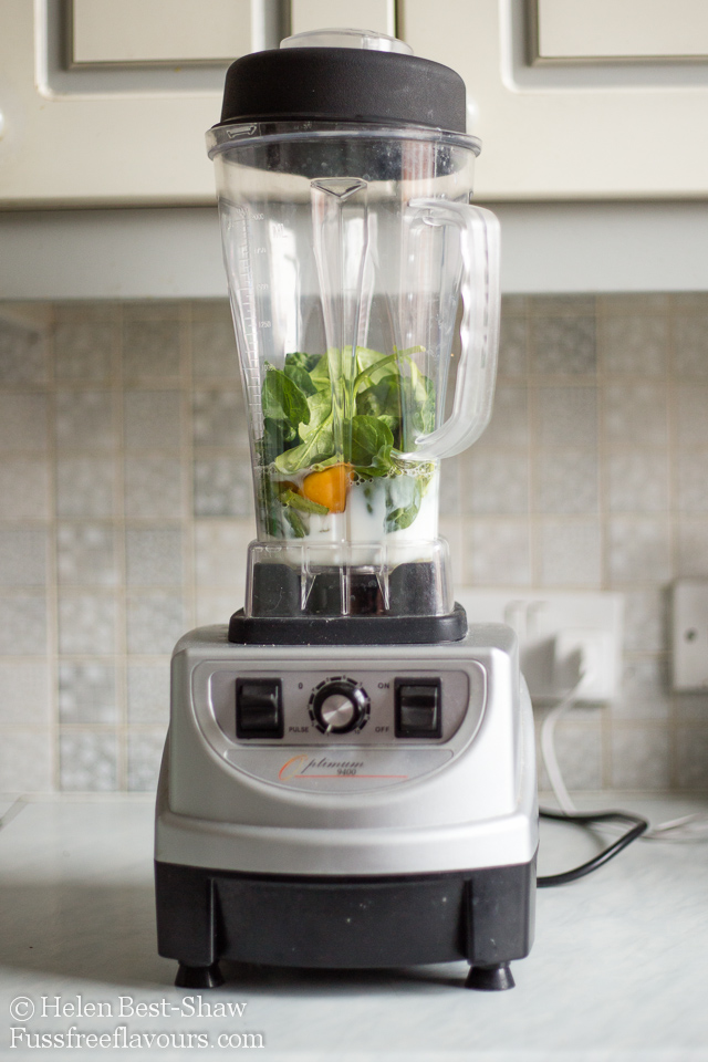 Spinach pancake batter in the blender