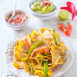 A simple way to make perfect nachos coated with cheese.