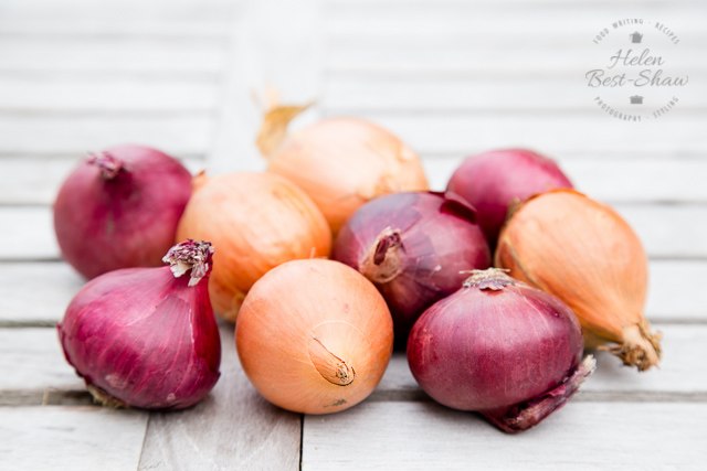 How to make the perfect, most flavourful caramelized onions - so simple and delicious