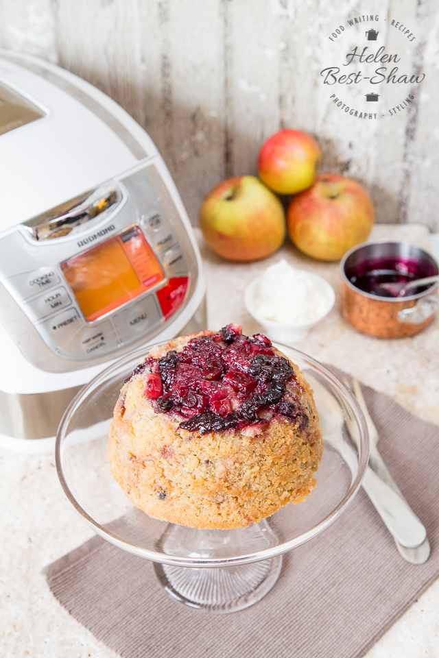An easy recipe for a winter warming blackcurrant and apple steamed pudding made in the crockpot or multicooker
