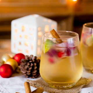 Gin & Appletiser a refreshing Christmas Cocktail {Gluten Free}