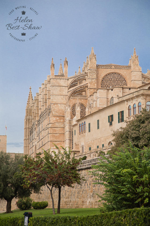 The imposing Cathedral of Palma de Mallorca dominates the city, and impresses whose who arrive by sea.