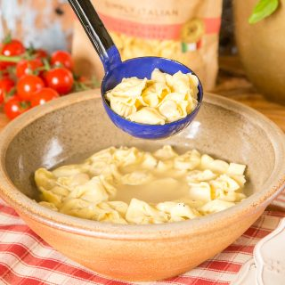 Tortellini en brodo (Tortellini in Broth) is a simple dish from the North of Italy which is traditionally served at Christmas