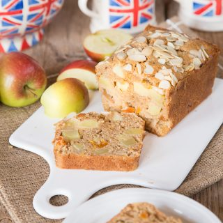 How to Make A Traditional Dorset Apple Cake