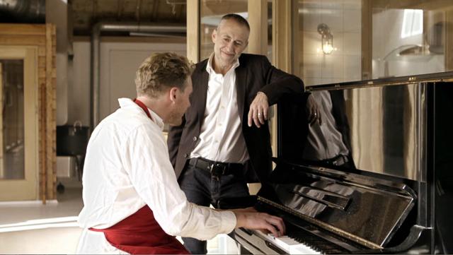 Hansen & Lydersen smoked salmon - singing to the salmon