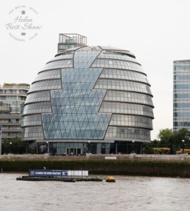 Cruise down The Thames - Embankment to Tower Bridge - City Hall