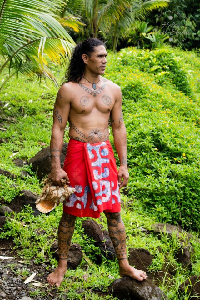 Teuai Lenoir in the jungle of the Tahitian Papenoo Valley