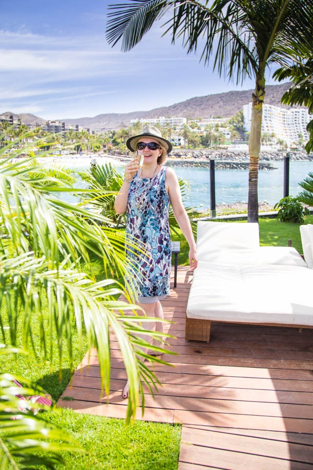 What to wear in the beach club in Gran Canaria