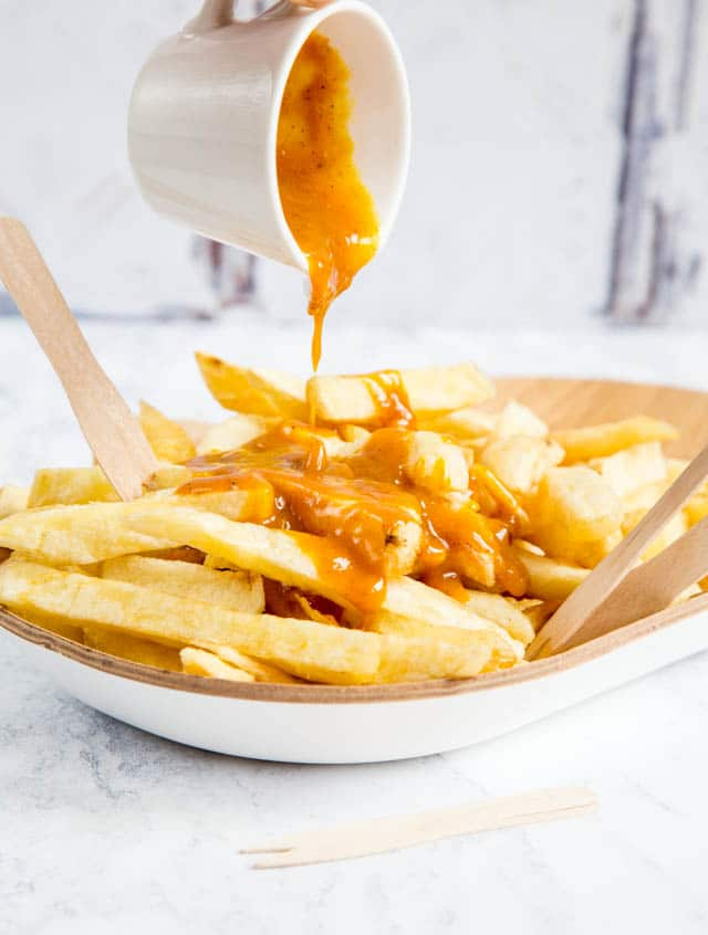 Pour it on thickly; our deliciously decadent Chinese curry sauce is perfect on thick cut chips