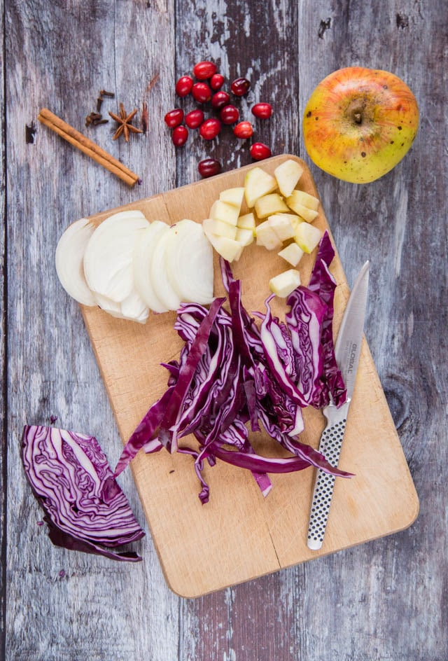 Ingredients for slow cooker red cabbage