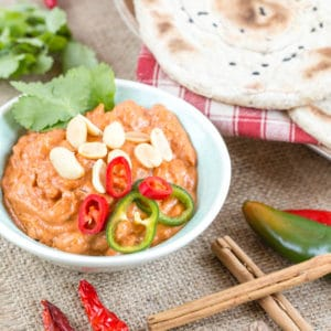African peanut sauce, spiced with cinnamon, chili, nutmeg, cloves and ginger.