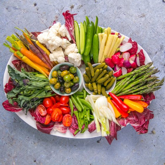 How to Make the Ultimate Crudité Platter {Vegan}