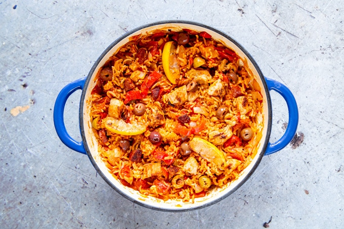 The cooked one-pot Spanish chicken with rice, ready to serve.